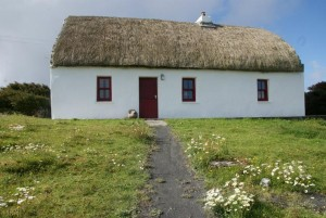 thatched cottage aran islands